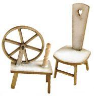 1:24th Spinning Wheel & Stool