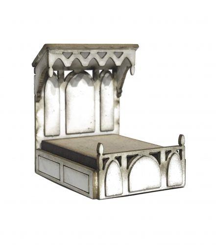 1:48th Medieval Half Tester Bed