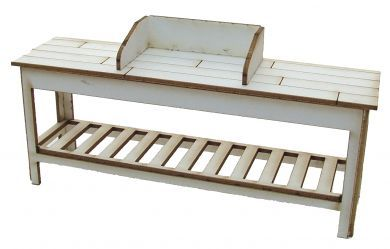 1:24th Potting Bench with Soil Retainer